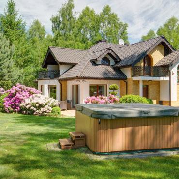 Außenwhirlpool – <br>Luxus für den Garten