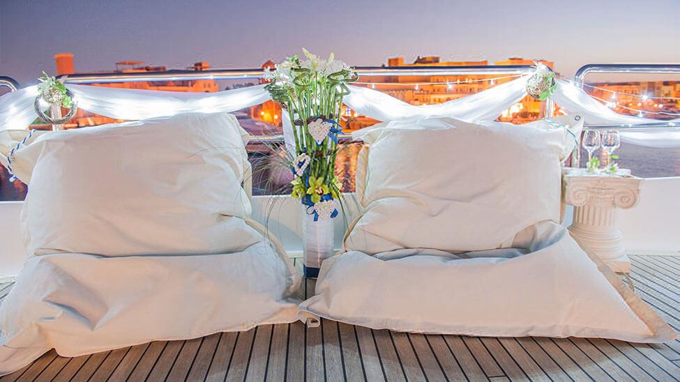 2 Sitzsäcke auf Terrasse